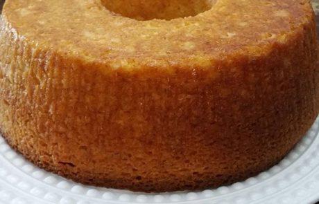 עוגת גבינה בחושה עם לימון ושוקולד לבן.