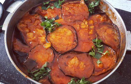פרוסות חציל ברוטב עגבניות