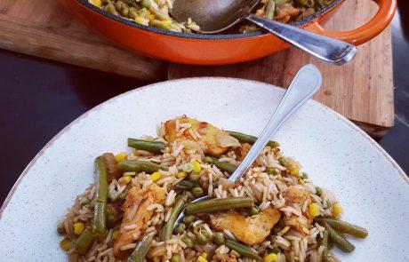 אורז ירוק עם רצועות חזה עוף